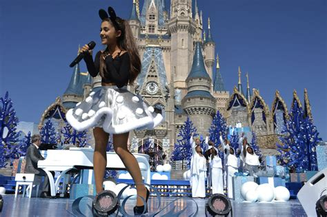 ariana grande at christmas day parade at walt disney world