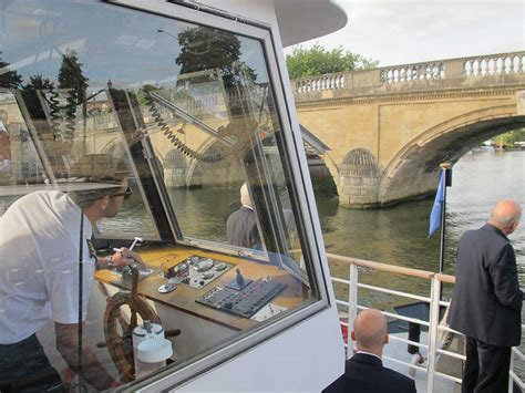 thames river boat cruise with jazz henley festival boat trips and private hire