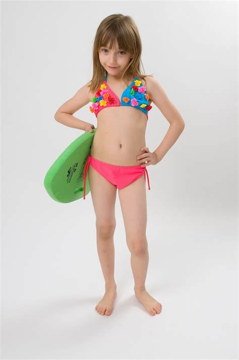 underage girls swimwear free shipping summer hot sale 2pcs swimwear new trendy