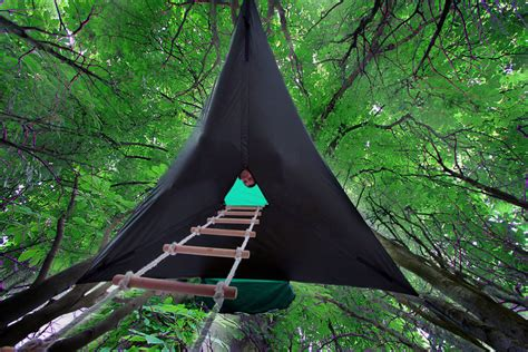 suspended tree this suspended tent lets you sleep in the trees bored panda