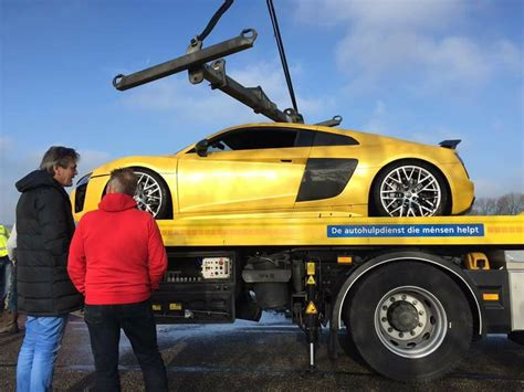 Audi R8 Crash by In Photos Audi R8 V10 Plus Dives Into A River In