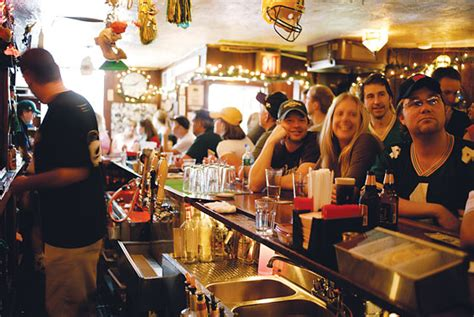 top sports bars nyc the city s best sports bars for football fans new york