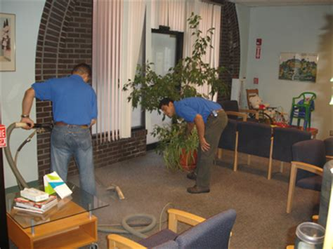 couch cleaning boston commercial carpet cleaning boston airglidecarpetcleaning com