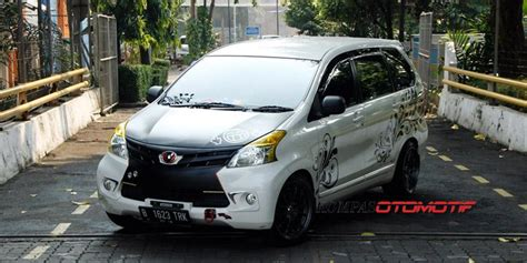 Tv Mobil Avanza Di Medan quot 9 mobil quot masuk kabin toyota avanza kompas