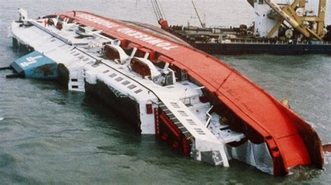 catamaran capsizes and sinks with tourists on board 615 best images about ships some forgotten some gone