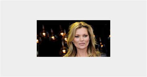 Kate Moss Is One Fonty by Justin Bieber S Est Fait Sermonner Par Kate Moss Comme Un