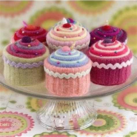 cake knitting patterns what of cupcake are you knitting pin cushions and