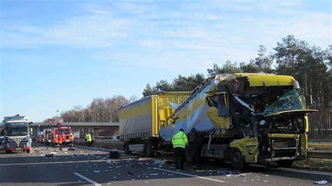 Motorradunfall Hamburg Heute by Nach Unfall Auf A1 Stau In Richtung Bremen Niedersachsen