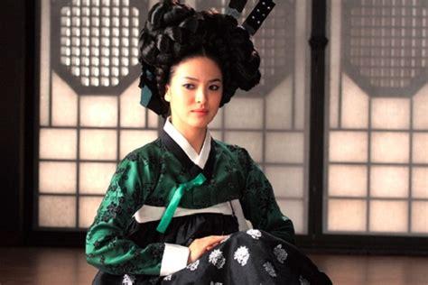 film the wave adalah song hye kyo antara prestasi dan skandal