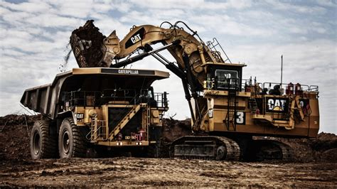 cat excavator wallpaper caterpillar excavator wallpaper wallpaperhdc com