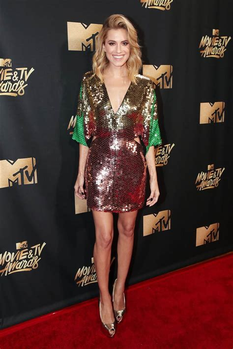 mtv best see the best carpet looks from the 2017 mtv tv