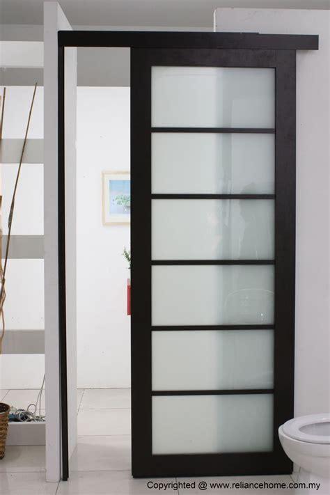 bathroom doors 25 best ideas about sliding doors on master