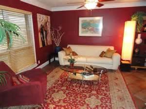 Burgundy Living Room Burgundy Walls And White Leather Mmmm I Don T Do White