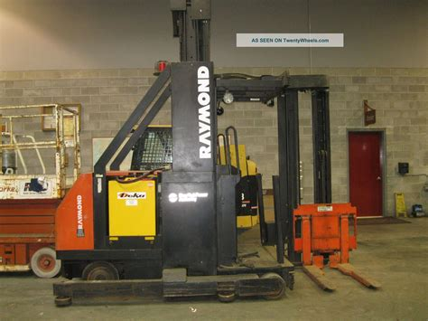 swing lift forklift raymond swing reach fork lift model 038 csrtt