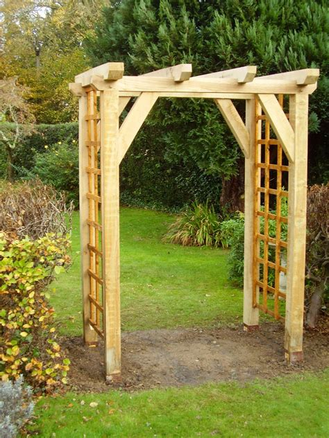 Traditional Garden Oak Arch   Anderson Oak Designs