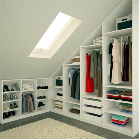 armoire pour chambre mansard馥 les meubles sous pente solutions cr 233 atives archzine fr