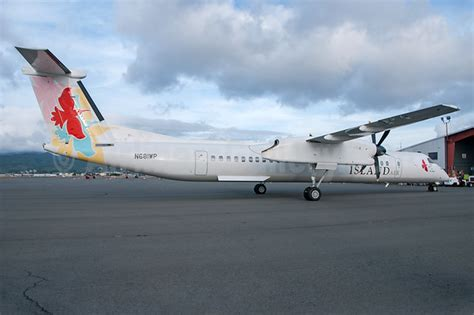 island air takes delivery of a bombardier dhc 8 402 q400 air cargo links air cargo services