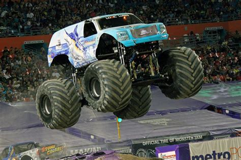 monster trucks jam 2014 miami florida monster jam february 8 2014 hooked