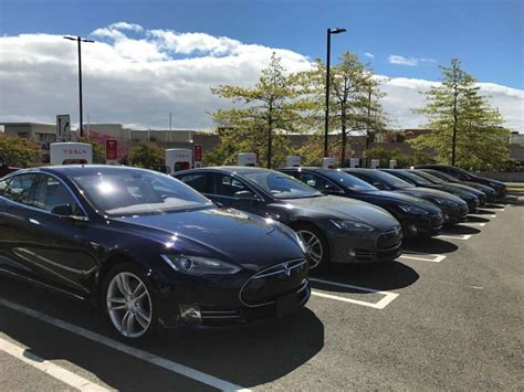 Tesla Connecticut Tesla Unveils Largest Charging Station On East Coast At