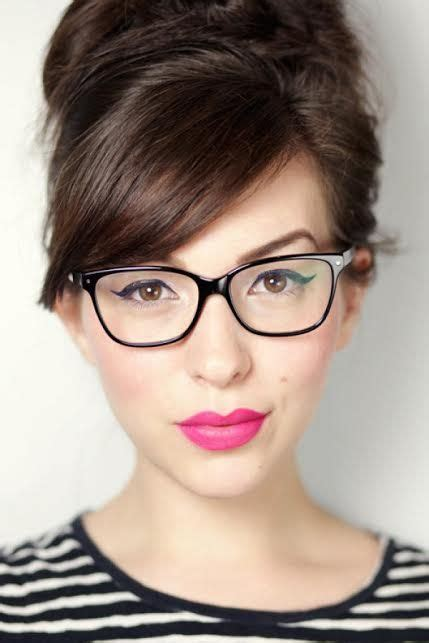 Dont Make Passes At Who Wear Glasses by Boys Don T Make Passes At Who Wear Glasses Makeup