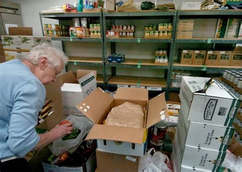 How To Run A Food Pantry by Suburban Food Pantries Need Help Giving Help Dailyherald