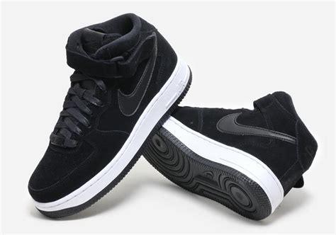 Terbaru Nike Airforce 1 Black 4 nike air 1 mid black suede 818596 003 sneakernews