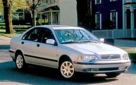 volvo s40 2000 2000 volvo s40 information and photos zombiedrive