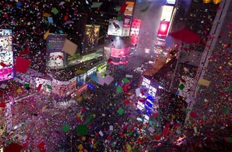 the w new years sylwester na times square new york stories