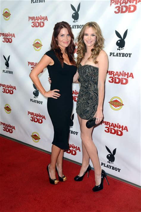 danielle ford willa ford and danielle panabaker photos photos premiere