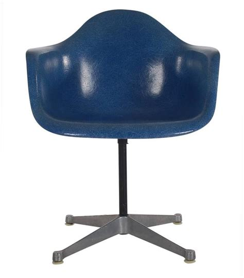 Royal Blue Dining Chairs Mid Century Charles Eames Herman Miller Fiberglass Dining Chairs In Royal Blue For Sale At 1stdibs