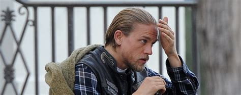 Welches Motorrad F Hrt Jax In Sons Of Anarchy by Hunnam Sinnkrise Nach Quot Sons Of Anarchy