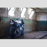 Yamaha R1 Bike | 3960 x 2640 jpeg 2020kB