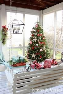 46 beautiful christmas porch decorating ideas style estate