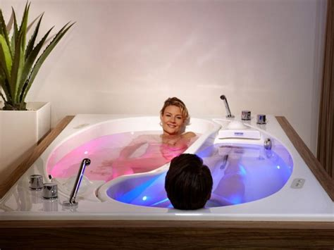 bathtub for 2 yin yang is a large bathtub for two people