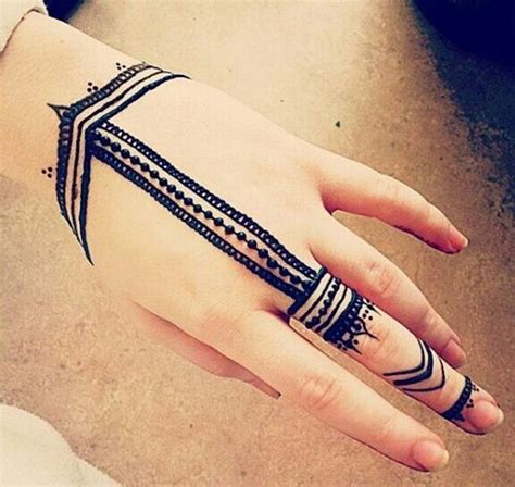 100 simple tattoos for the 17 best ideas about simple henna on simple