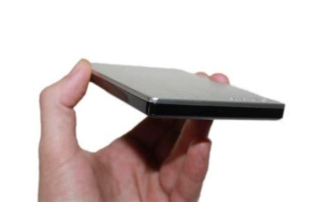 Dysk Seagate Slim 500gb opakowanie i wygląd test seagate slim portable 500 gb stylizacja dysku przenośnego idealna do