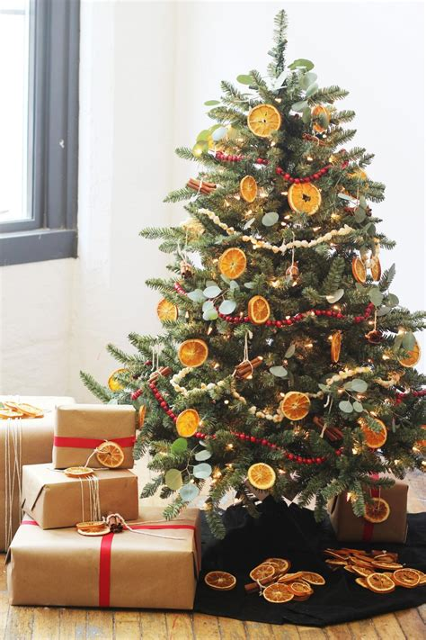 christmas tree decorating ideas 30 country christmas tree decorating ideas gac