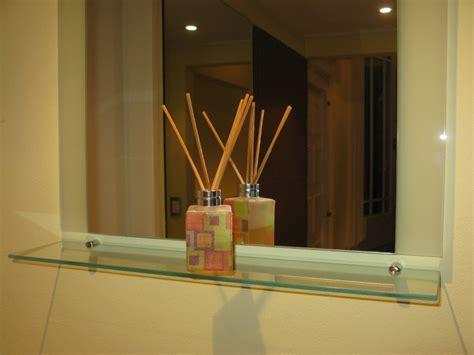 decoracion con espejos y repisas decoracion mueble sofa espejos con repisa para banos
