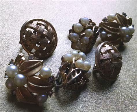 vintage trifari costume jewelry cause a frockus 187 cause