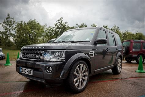 land rover discovery xxv smmt 2014 1
