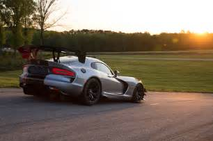 new dodge viper acr the fastest viper motor trend wot