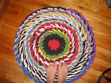 rag rug tutorial no sew no sew braided rag rug w photos and semi tutorial thethingswedoforloveandmoney