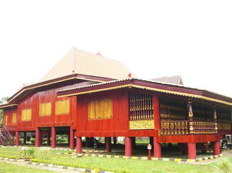 rumah adat  indonesia nama gambar  penjelasannya sumbercenel
