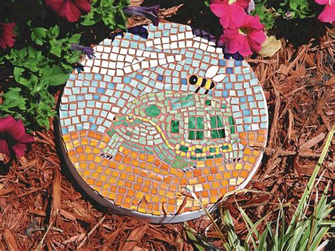 Backyard Stepping Stone Ideas Creating Mosaic Stepping Stones In Your Garden