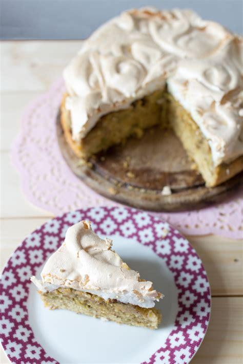 kuchen haube rezept rhabarberkuchen mit baiser haube kathastrophal