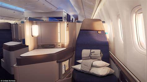 cara naik pesawat kelas bisnis potret fasilitas mewah kelas bisnis pesawat terbang