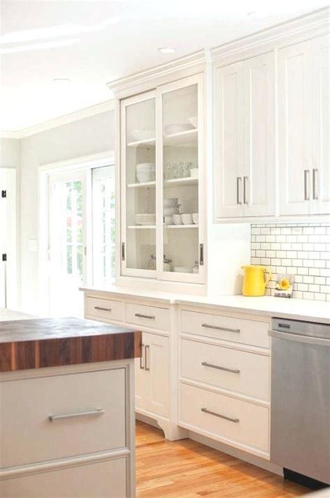 amazon kitchen cabinet pulls amazon kitchen cabinet door knobs kitchen cabinet door