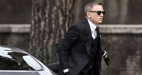 james bond spectre the sunglasses james bond spectre 2015