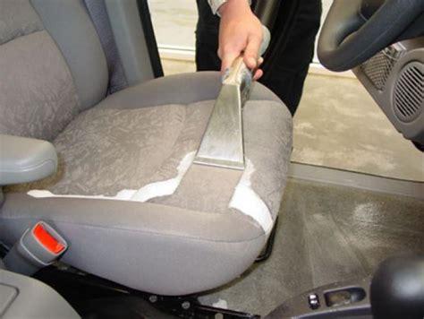 prodotti per pulire tappezzeria auto lavare sedili auto manutenzione auto