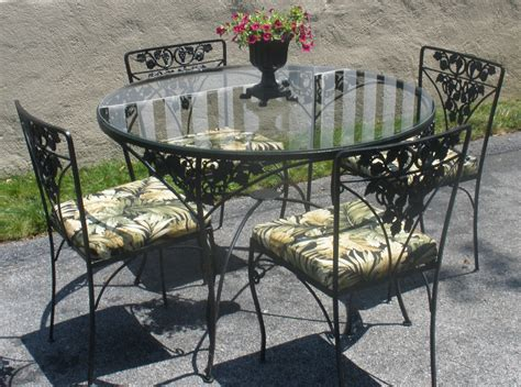 Wrought Iron Table 4 Chairs Cushions Woodard Grapes Rod Iron Patio Table And Chairs
